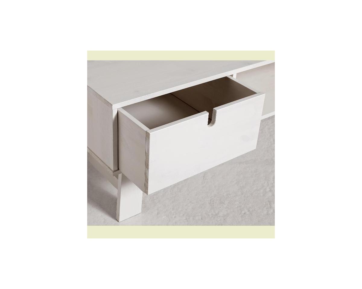 Detail na šuplík televizního stolku v bílém provedení
